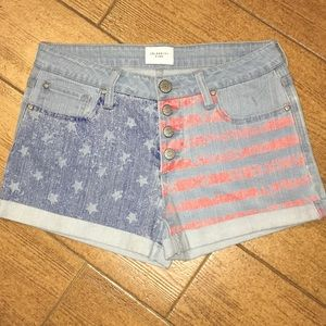 NWOT Celebrity Pink 4Button Shorts
